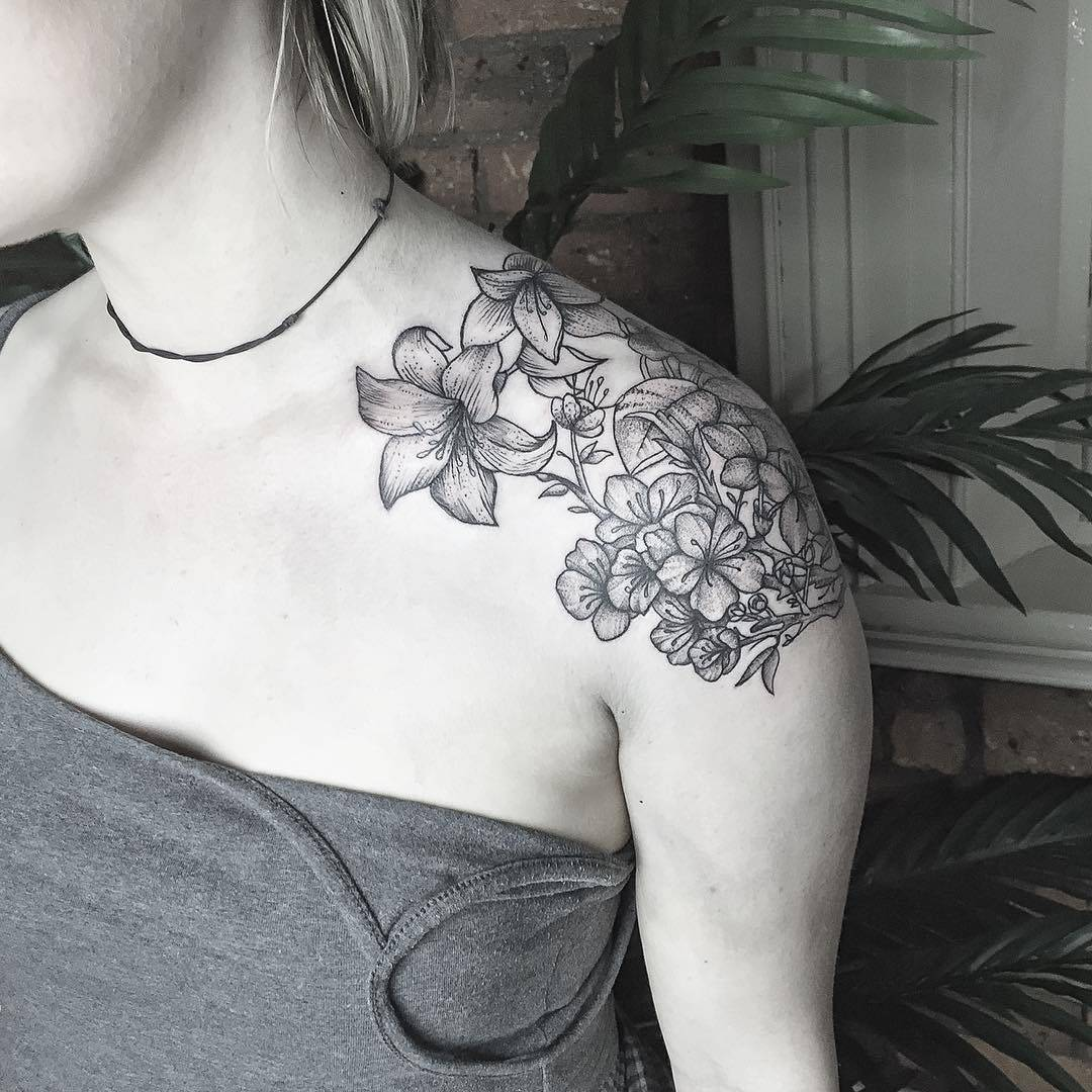 #tattoo #black #white #flowers фотография Gerda