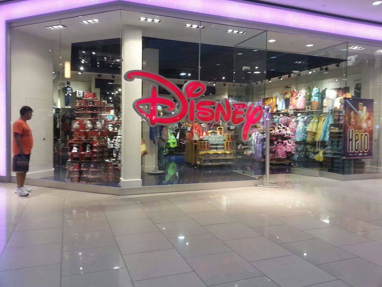 disney store aventura mall miami photo steffi