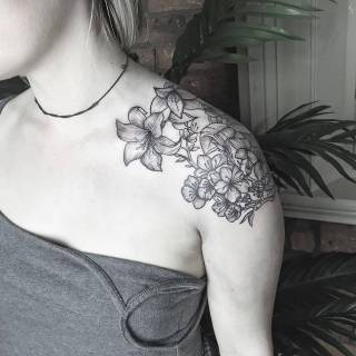 Фотография Gerda: #tattoo #black #white #flowers