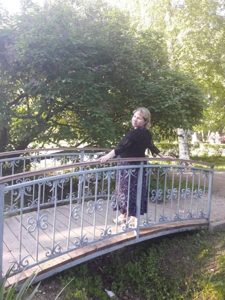 На мосточке я одна фотография Анжелика