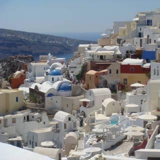 Фотография Olyona: Волшебный остров(Посвящение прекрасному греческому острову Санторини)Мне этот остров снится по ночамВ лучах заката розового цвета,Подобной красоты навряд ли видел кто,Однажды побывав на самом краю с..