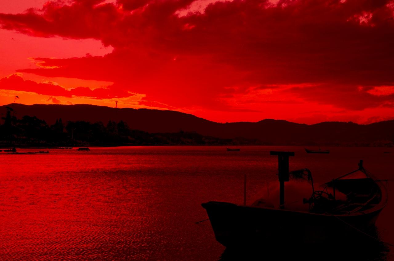 Красивый красный закат photo Alexander