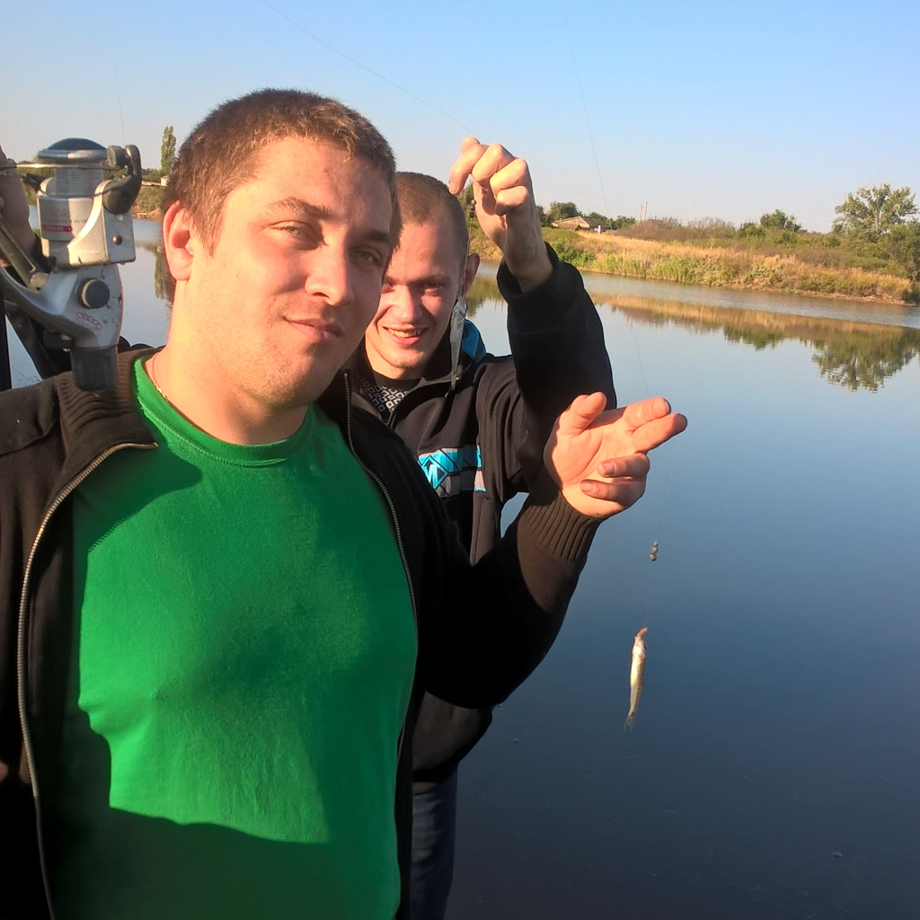 Привет друзья приежайте к нам на рыбалку фотографія Петр