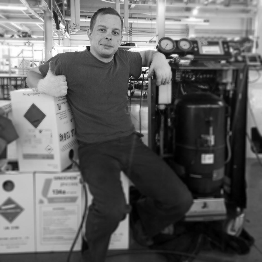 #день#маниностроителя#праздник#у#меня photo Petr