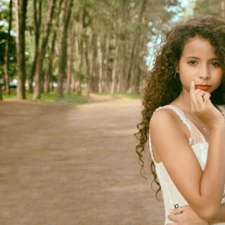 Фотография Alexander: Красивая девочка мулатка. Красивое личико
