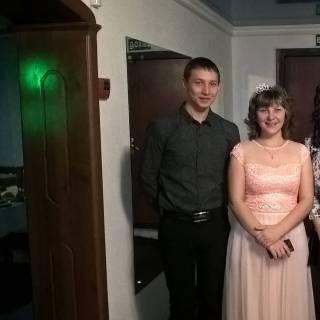 Фотография Сергей: Моя теперь уже бывшая жена с моими друзьями