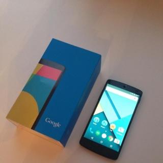 Фотография Мастер: LG Nexus 5 16GB Black после замены аккумулятора и дисплейного модуля. Ремонт обошелся всего в 2000 рублей.