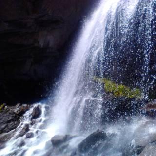 Фотография Хитрушка: Водопад Девичьи косы. Приэльбрусье