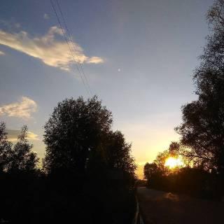 Photo Svjeta: Вечірній захід весняного сонця