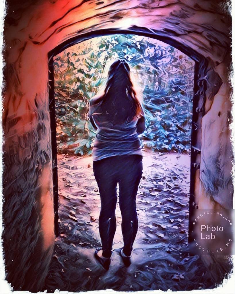 Найбільша людська дурість - страх.Страх зробити вчинок, поговорити, зізнатися,Ми завжди боїмося, тому так часто програємо. Потрібно менше думати і більше жити... photo Оленка