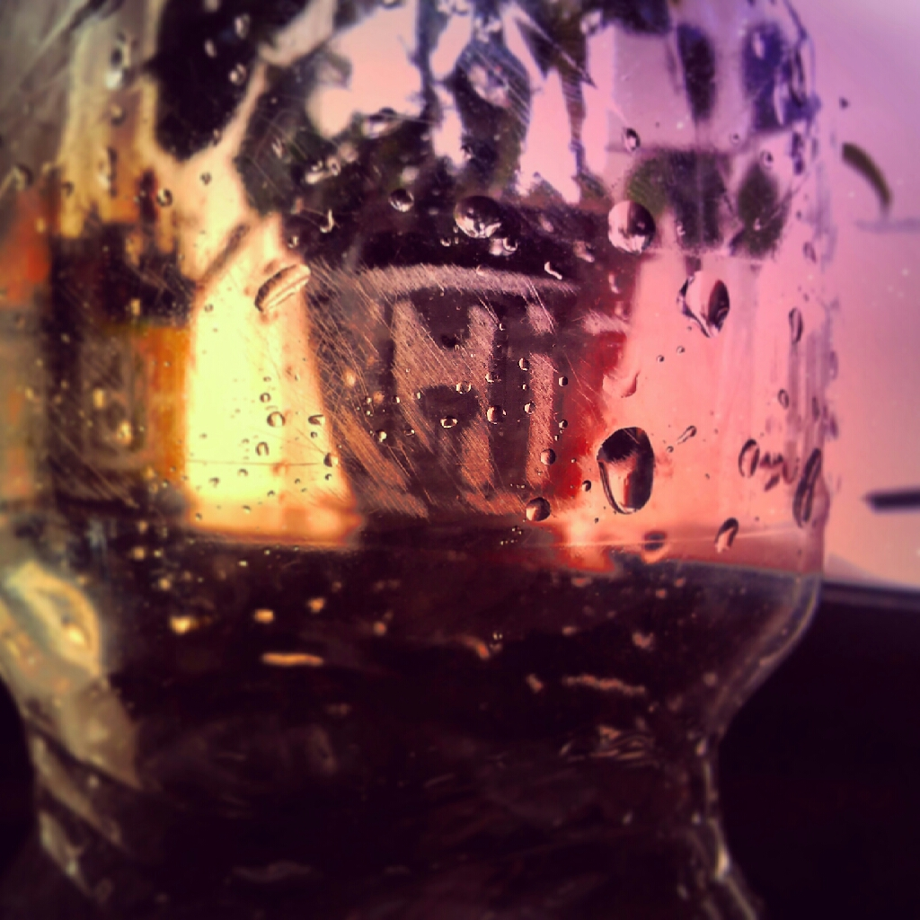 Hi Bottle! photo Darg Menos